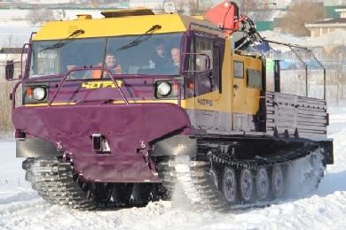 Вид спереди на Четру с КМУ на снегу